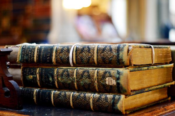 古希腊文献学家阿里斯塔克等不少历史名人都曾出任过
